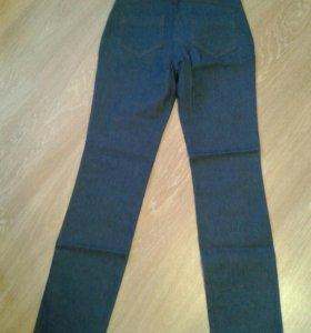 Джинсовые брюки р. 42
