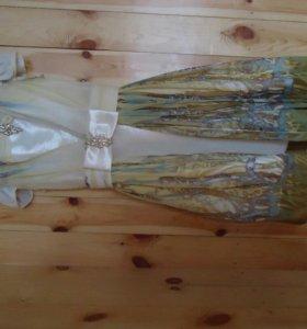 Очень красивое платье с накидкой