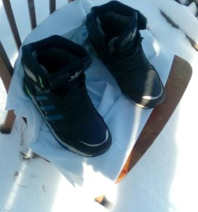 Продам зимние кроссовки