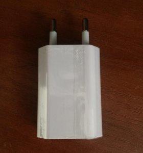 Зарядка на iPhone( адаптер питания) оригинал новая
