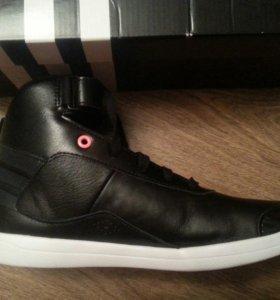 Совсем новые adidas кроссовки