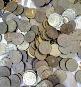 Продаю монеты 10руб юбилейные