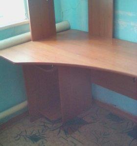 Продам компьютерный стол или обмен на ноут не доро