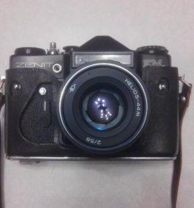 Фотоаппарат: ZENIT-EM HELIOS 44M