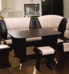 Кухонный уголок диванчик со столом и табуретами