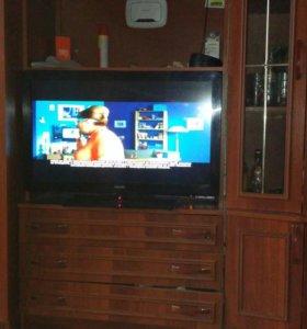 Телевизор PHILIPS 82см.