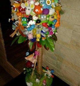 Дерево счастья из игрушек