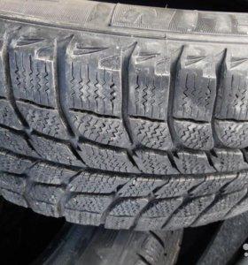 Зимние шины 215/60R16 Michelin X-Ice липучка 4 шт