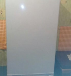 Холодильник на запчастм