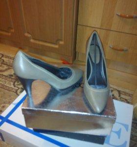 модельные туфли фирма ZARA