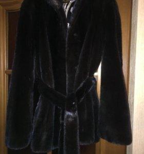 Шуба черная,норковая,в отличном состоянии,Италия