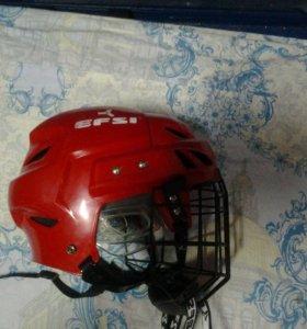 Хоккейный шлем в отличном качестве