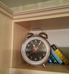 Большие часы с будильником