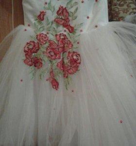 Платье рост 116-122 Нарядное и пышное