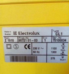"""Пылесос """"Electrolux""""из Финляндии."""