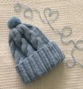 Вязаная шапка и варежки