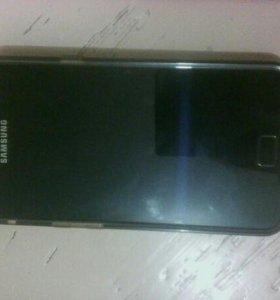 Телефон самсунг модель GT- I9100