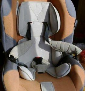 Детское сиденье автомобильное