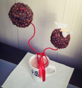 Топиарий из кофейных зёрен.