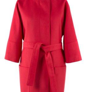Пальто демисезонное с поясом цвета Коралл