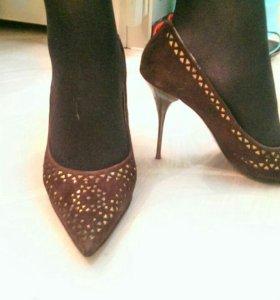 Туфли Kapricci остроносые, 40 размер