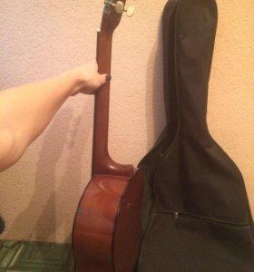 Гитара(классическая )