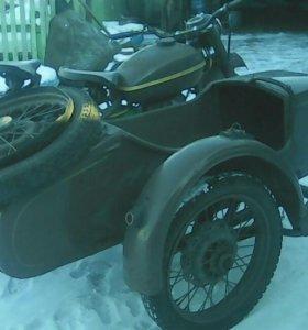 Мотоцикл -Урал