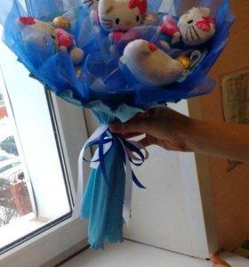 Букет с мягкими игрушками , с конфетами