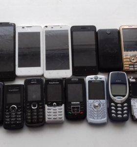 Продам телефоны на запчасти (или под востановление
