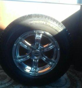 Комплект колёс на джип в отличном состоянии