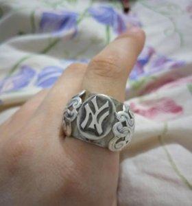 Срочно продам серебряное кольцо!!!