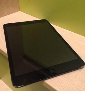 iPad mini black  wifi 16 gb