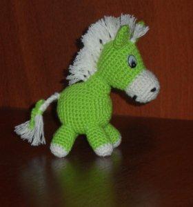 Вязаная лошадка.