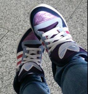 Adidas кроссовки 37,5