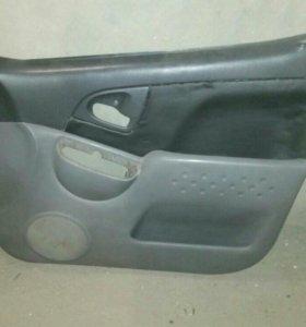 Обшивка дверей Toyota Funcargo