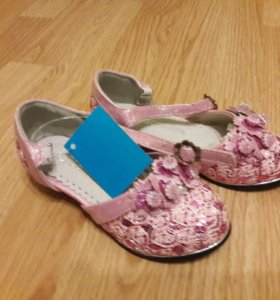 Туфельки для девочки новые