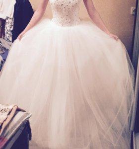 Нежное ,красивое свадебное платье