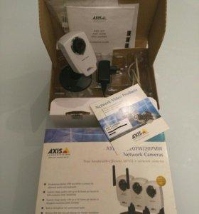 Продам сетевую IP-видеокамеру AXIS 207