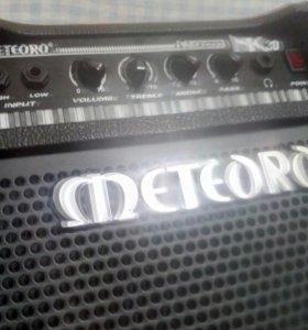 Комбо клавишный Meteoro Nitrous NK30