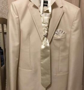 Свадебный/ выпускной костюм