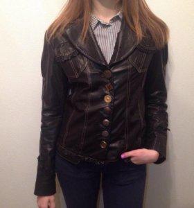 Кожаный пиджак Moda Show.