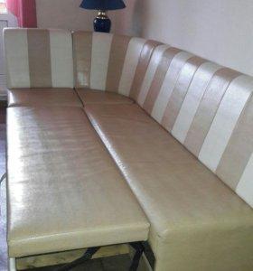 Угловой диван-кровать для кухни(кожазаменитель)