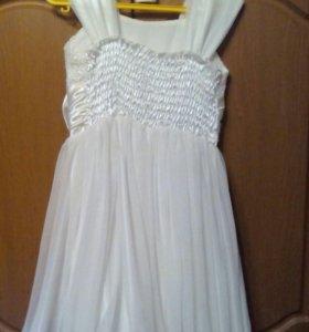 Детское платье одевали 2 раза с желеткой