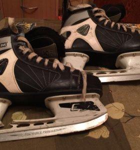 Коньки хоккейные CCM.
