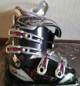 Горные лыжи + ботинки (новые)