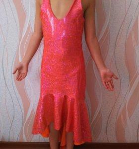 Блестящее платье для танцев