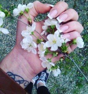 Наращивание ногтей,покрытие гель-лаком.