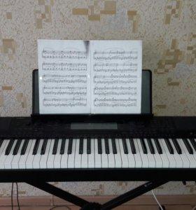 Репетитор по вокалу и фортепиано