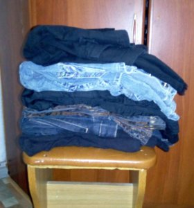 4 Пиджака,2 джинсовки.