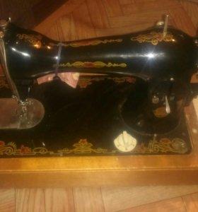 Ручная швейная машинка(раритет)